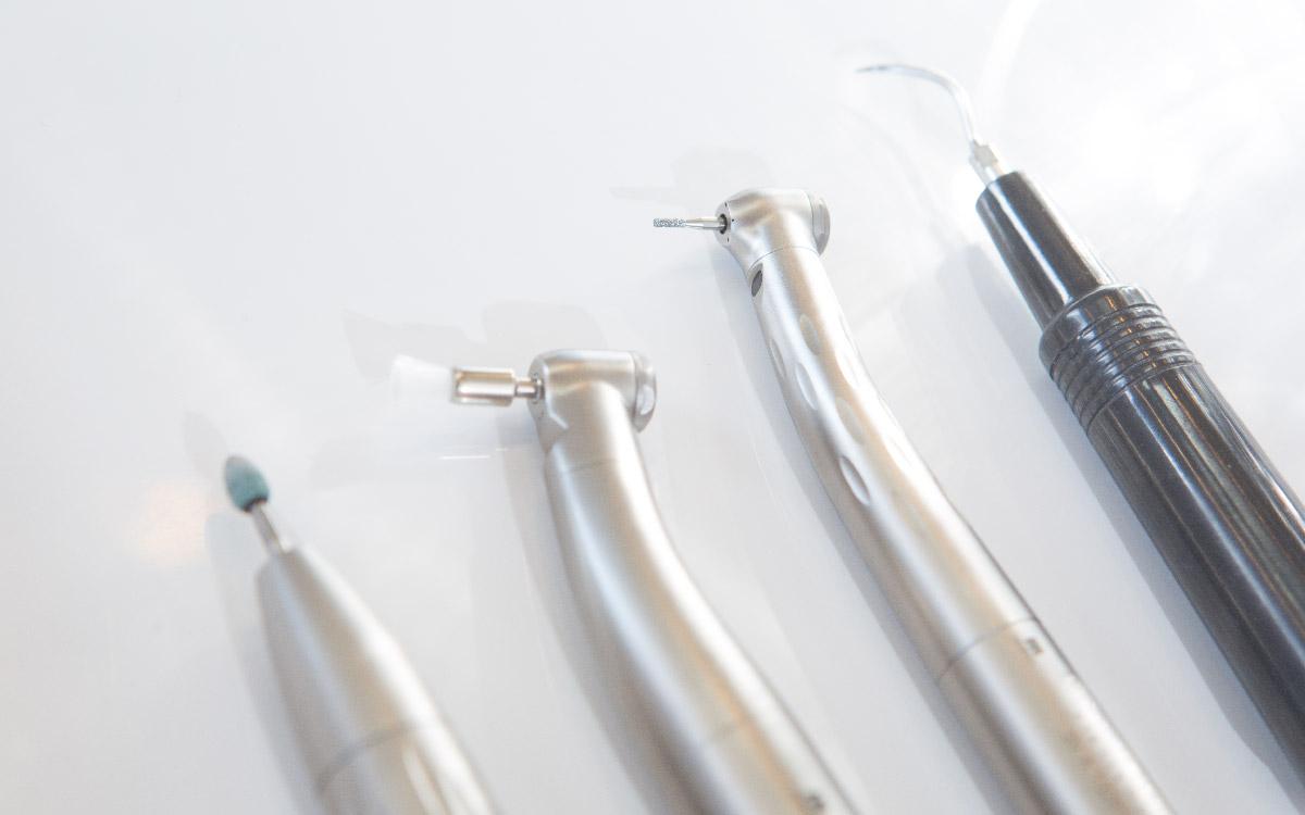 画像:虫歯治療・歯周病治療・抜歯が必要な場合